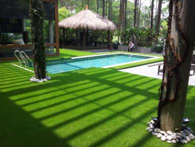 Balcony greening with artificial grass