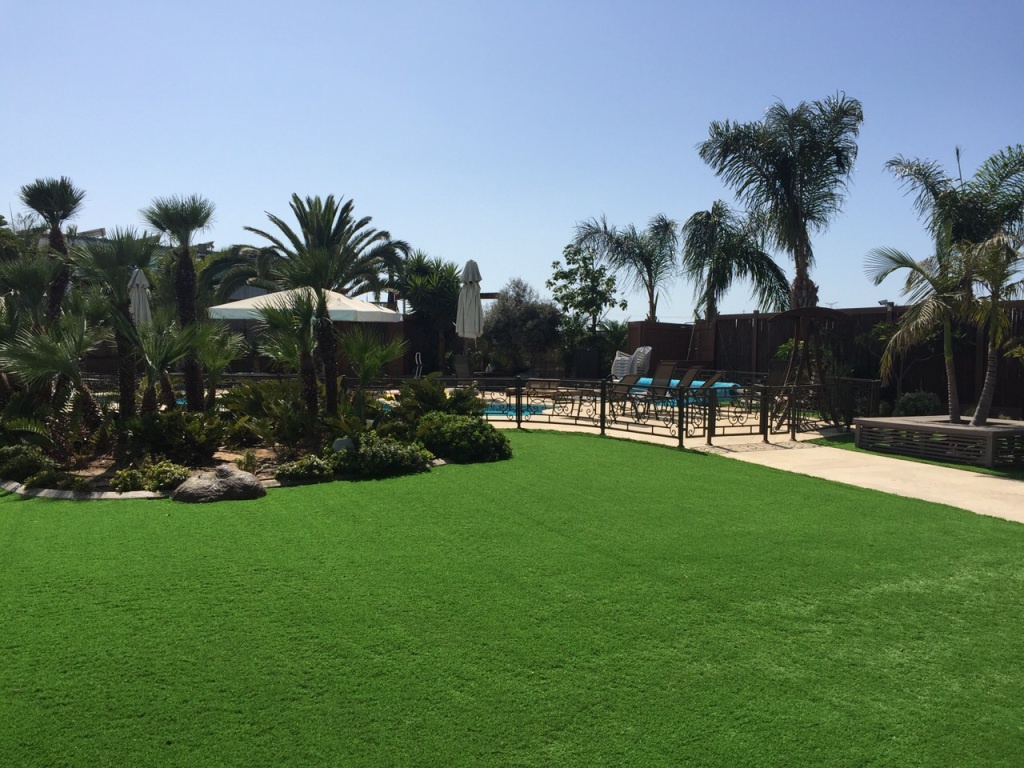 Artificial grass for middle east areas