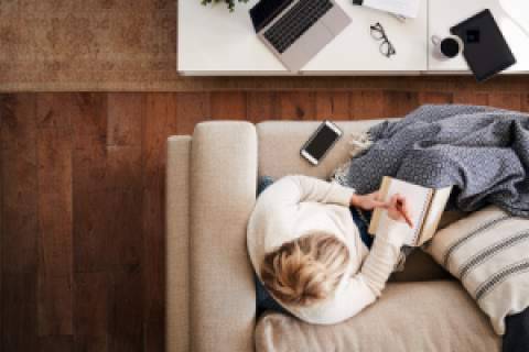 56% of People in the US say their Office is too Cold. Get Warm and Comfy with these Blankets